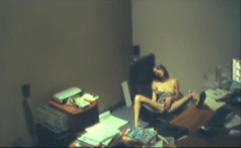 Фото реальных зарубежные эротические видеоролики со скрытой камеры оргазм