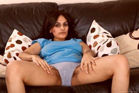 Чатное порно фото с арабской девушкой