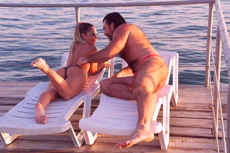 прикрыла)))))))))))))))) дофига стоет... Фото голых женщин в колготках хоть раз посмотреть! Ваша